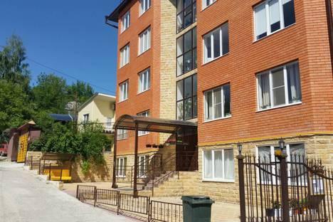 Сдается 2-комнатная квартира посуточно в Кисловодске, ул. Декабристов 25.