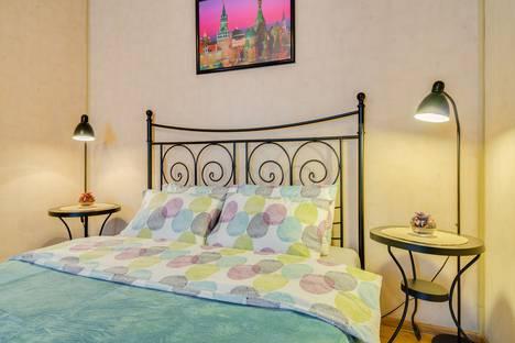 Сдается 2-комнатная квартира посуточно, Кутузовский проспект, 25.