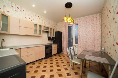 Сдается 2-комнатная квартира посуточно, Свердловский проспект, 88.