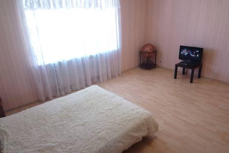 Сдается 2-комнатная квартира посуточно в Тюмени, улица Василия Гольцова, 26.