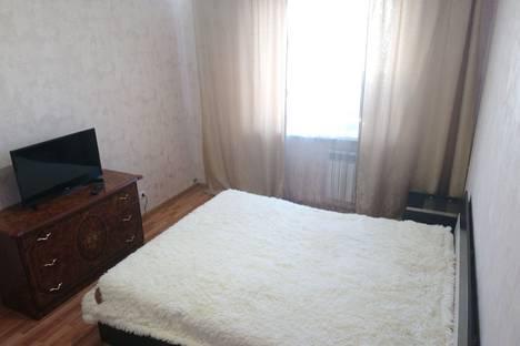 Сдается 2-комнатная квартира посуточно, улица Прокопия Артамонова, 8.