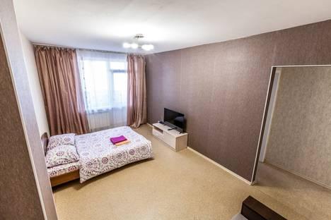 Сдается 1-комнатная квартира посуточно в Барнауле, улица Папанинцев 111.