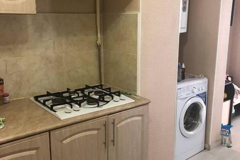 Сдается 2-комнатная квартира посуточно в Геленджике, улица Гринченко, 36.