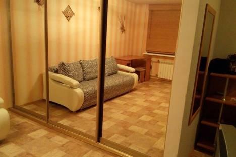 Сдается 1-комнатная квартира посуточно, улица Талнахская, 49.