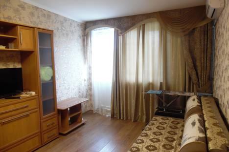 Сдается 1-комнатная квартира посуточно в Севастополе, улица Ефремова, 22.