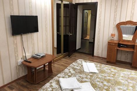 Сдается 3-комнатная квартира посуточно в Севастополе, ул.Советская, 15.