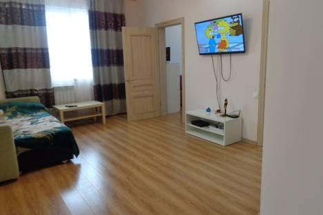 Сдается 2-комнатная квартира посуточно, улица Параллельная, 9.