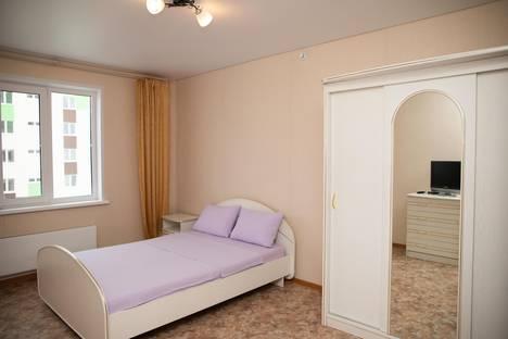 Сдается 2-комнатная квартира посуточно в Тобольске, 15 мкр дом 27.