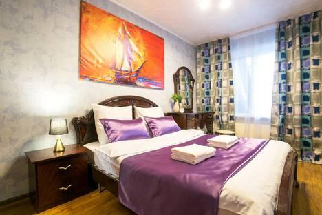 Сдается 3-комнатная квартира посуточно, улица Карла Маркса, 21.