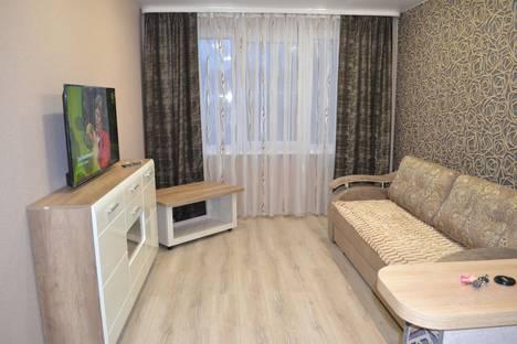 Сдается 2-комнатная квартира посуточно в Новополоцке, Молодежная Улица, 134.