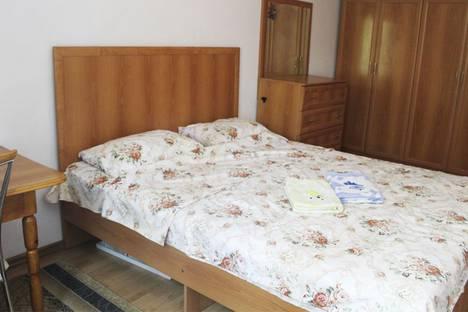 Сдается 1-комнатная квартира посуточно в Бишкеке, улица Ахунбаева.