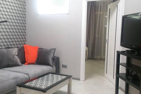 Сдается 2-комнатная квартира посуточно, набережная Северной Двины, 71.
