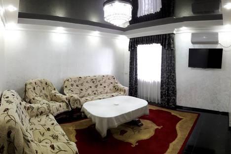 Сдается 3-комнатная квартира посуточно в Батуми, Ул.Меликишвили.