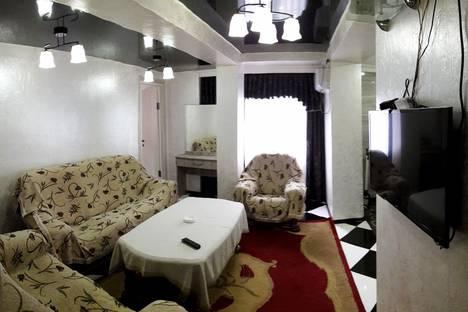 Сдается 3-комнатная квартира посуточно, Ул.Меликишвили.