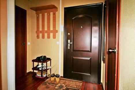 Сдается 1-комнатная квартира посуточно, улица Декабристов Бестужевых, 18.