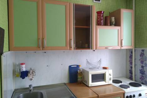 Сдается 1-комнатная квартира посуточно, Торосова улица, 18.