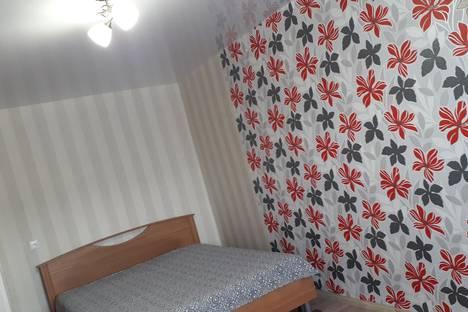 Сдается 1-комнатная квартира посуточно в Волгограде, улица Маршала Еременко 31.