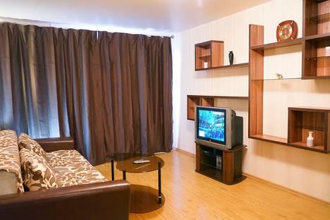 Сдается 2-комнатная квартира посуточно, проспект Победы, 78.