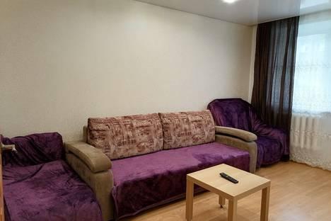 Сдается 2-комнатная квартира посуточно, улица Кутузова, 64.