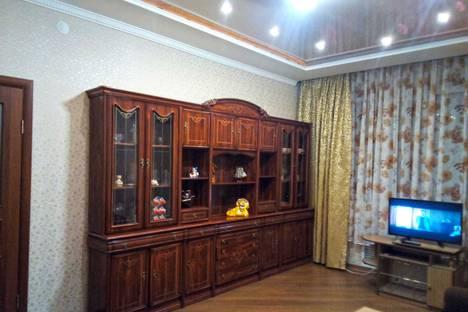 Сдается 3-комнатная квартира посуточно, улица Родимцева, 2.