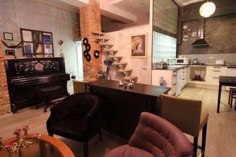 Сдается 2-комнатная квартира посуточно в Смоленске, улица Большая Советская, 22.
