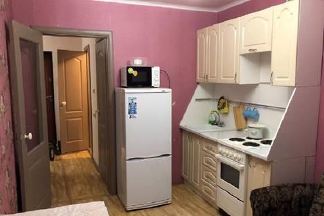 Сдается 1-комнатная квартира посуточно, улица 50-летия Октября, 4.