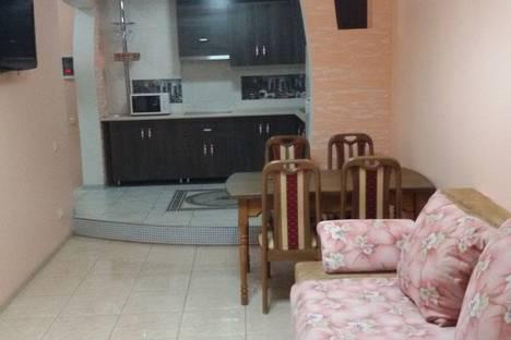 Сдается 2-комнатная квартира посуточно в Одессе, улица Середнефонтанская, 19А.