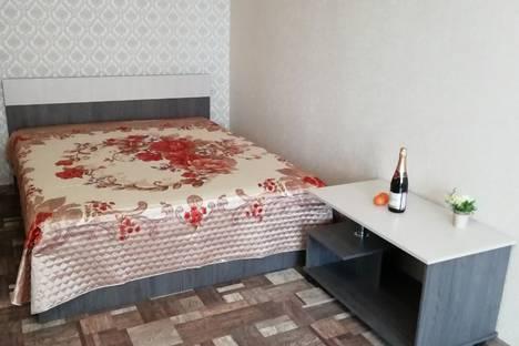 Сдается 1-комнатная квартира посуточно в Тольятти, бульвар Орджоникидзе, 9.