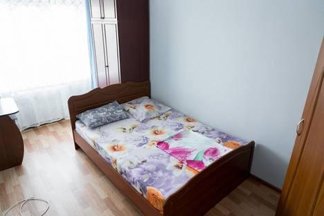 Сдается 2-комнатная квартира посуточно, проспект 50 лет Октября, 4Б.
