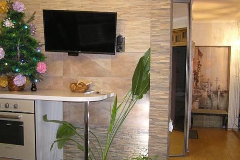 Сдается 3-комнатная квартира посуточно в Курске, улица Радищева, 23.