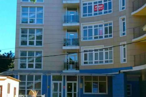 Сдается 1-комнатная квартира посуточно, улица Кирова, 1.