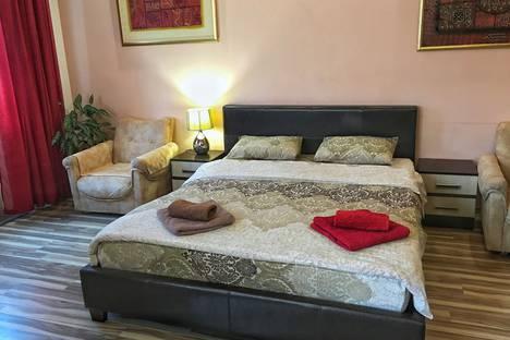 Сдается 1-комнатная квартира посуточно в Ялте, улица Игнатенко, 5.