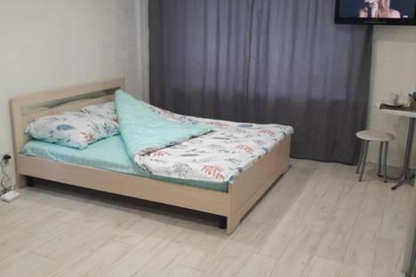 Сдается 1-комнатная квартира посуточно в Челябинске, улица Сони Кривой, 41.