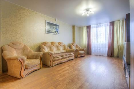 Сдается 3-комнатная квартира посуточно в Воронеже, Московский проспект, 142/У.