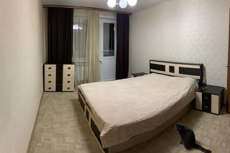 Сдается 2-комнатная квартира посуточно в Яровом, квартал A, дом 9, квартира 43.