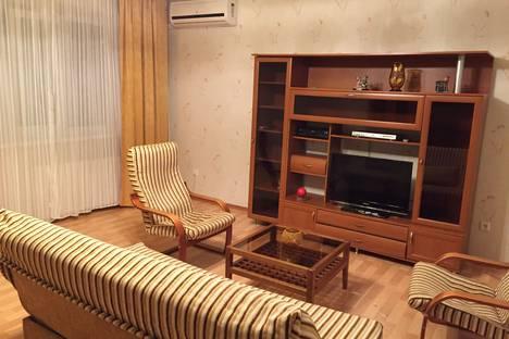 Сдается 3-комнатная квартира посуточно в Самаре, 6-я просека, 127.