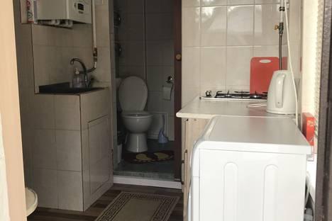 Сдается 2-комнатная квартира посуточно в Кисловодске, улица К. Маркса 8.