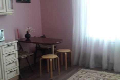 Сдается 2-комнатная квартира посуточно в Волгодонске, ул.Волгодонская д.10 кв.105.