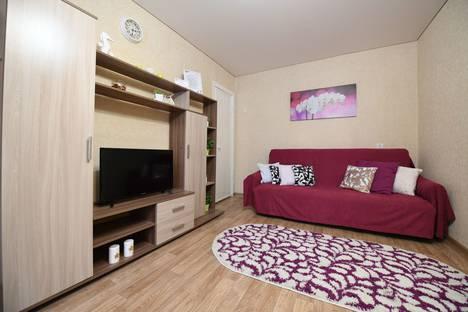 Сдается 2-комнатная квартира посуточно в Ижевске, улица Ленина, 28.