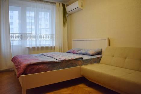Сдается 1-комнатная квартира посуточно, Русаковская улица, 27.