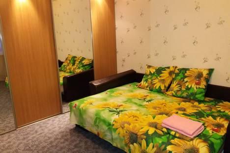 Сдается 2-комнатная квартира посуточно в Екатеринбурге, улица Фрунзе, 60.