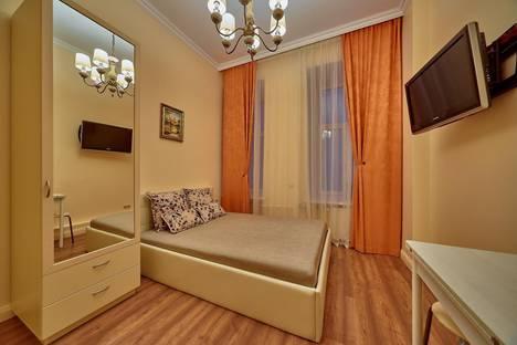 Сдается 1-комнатная квартира посуточно, Малая Конюшенная 1-3.