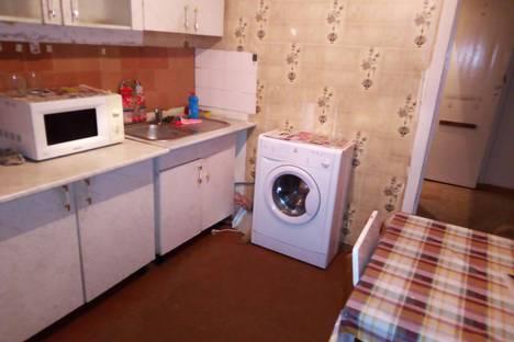 Сдается 1-комнатная квартира посуточно в Усть-Илимске, проспект Дружбы Народов, 39а.