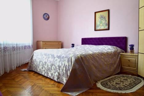 Сдается 4-комнатная квартира посуточно в Черновцах, Чернівці, вулиця Сімовича, 5.