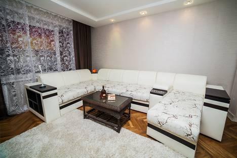 Сдается 2-комнатная квартира посуточно в Минске, улица Цнянская, 5.