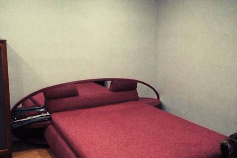 Сдается 1-комнатная квартира посуточно в Мурманске, проспект Героев североморцев, 58.