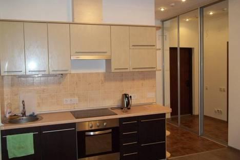 Сдается 1-комнатная квартира посуточно в Ялте, Парковый проезд, 6.