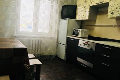 Сдается 3-комнатная квартира посуточно в Ачинске, Юго-Восточный район, 13.