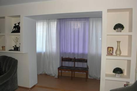 Сдается 1-комнатная квартира посуточно в Алуште, улица Октябрьская, 26.