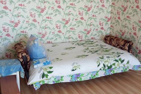 Сдается 2-комнатная квартира посуточно, улица Урицкого, 15.